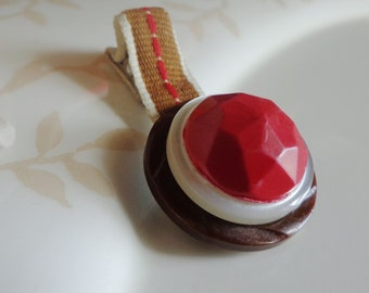 Barn Red Country Chic Vintage Button Hair Clip