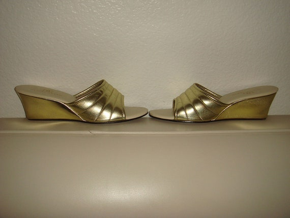 Vintage Daniel Green Gold Wedge Heel Boudoir Slippers Wedges Mules Slides Size 7-1/2