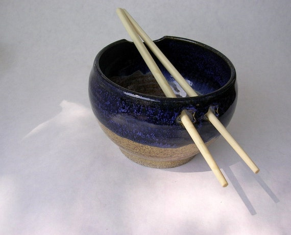 Noodle bowl ceramic rice bowl with chopsticks in indigo blue