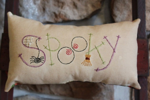 Primitive Stitchery Pillow Bowl Filler Ornie Tuck Fall Halloween Witch's Hat
