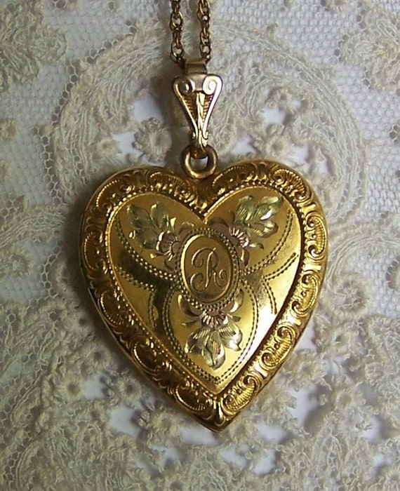 Vintage 1940s Tri Colored Gold Filled Heart Locket With Gold Filled Chain