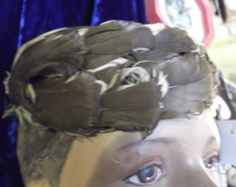 1950s Tan & Brown Male Duck Feather Hat,