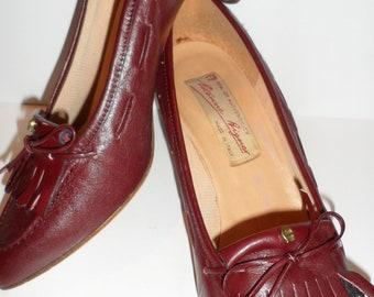 etienne aigner vintage loafer heels  fringe design metal a  size 6-7     9 1/2 inch long