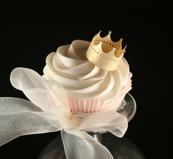 48 Wafer Crowns in GOLD, SILVER or PEARL wafer paper, nontoxic glitter