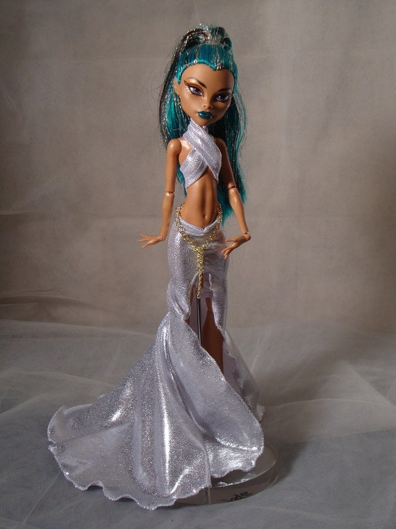 Sexy and Silver Gown Set  for Monster High Doll Will Fit Nefera Also