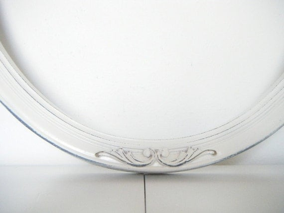 Upcycled, Vintage, Rustic Chic White Oval Picture Frame. Large Antique White Frame. Shabby Chic Frames 17x13 Inch
