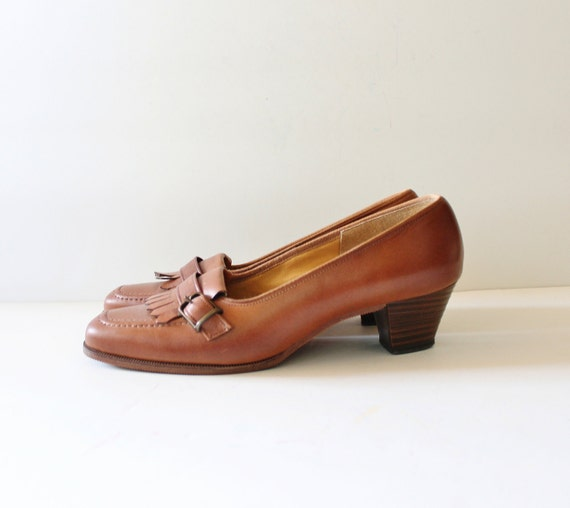 Vintage 70s FRINGE Stacked Heel Loafers - Caramel Leather Cobbies - Women 7 Narrow