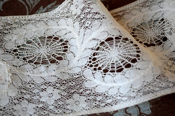 Antique french wide spider web Chantilly flowers lace dolls flapper dress trim