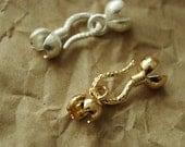 2 pcs of Flower shape Necklace buckle