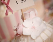 I Do Party Picks - cream with dusky pink bows - set of 10