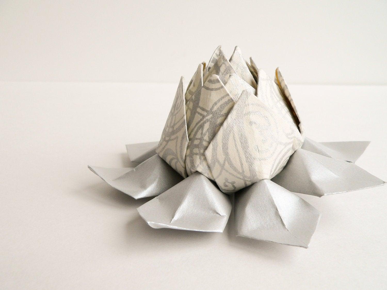 argent fleur de papier origami fleur de lotus argent. Black Bedroom Furniture Sets. Home Design Ideas