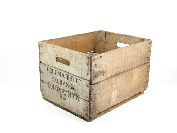 Vintage wood crate coloma fruit exchange michigan for Wooden fruit crates