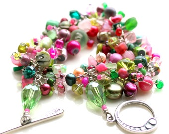 The rose peridot bracelet. pink and green beaded bracelet. garden princess.