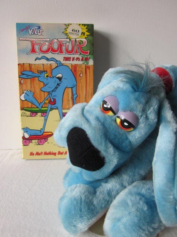 Blue Dog Foofur Plush With Suction Cups Plus Vhs Video