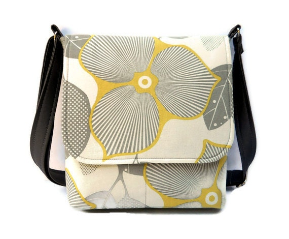 Small Hip Bag Messenger Style - Amy Butler Optic Blosson