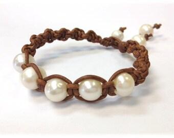Handmade Freshwater Pearl and Leather Bracelet - ShaDa