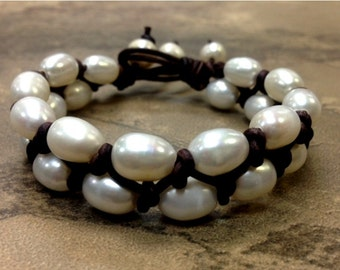 SALE - Natural Leather and Pearl Bracelet - NatTaYa