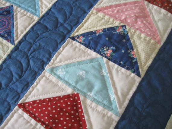 Vintage Patchwork Quilt Flying Geese Triangles Flowers Calico Prints 90x96
