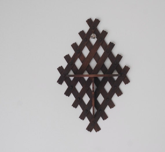 Vintage Wood Wall Shelf / Lattice Criss-Cross Diamond / 1940s Curio Shelf