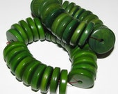 25 Forest Green Tagua Nut Beads, Flat Donut Rondells, 15mm Beads, Organic Beads, Vegetable Ivory Beads, Natural Beads, EcoBeads