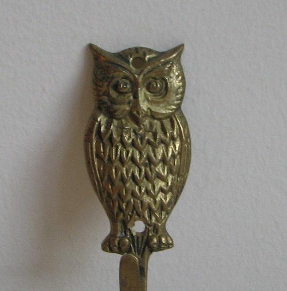 Vintage Gold Metal Owl Wall Hook 1970's Boho Woodlands Bird Decor Patina