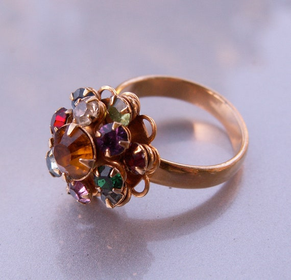 Vintage Cocktail Ring JUDY LEE Yellow Goldtone Rainbow Colors Cluster Rhinestones Size 7 to 8
