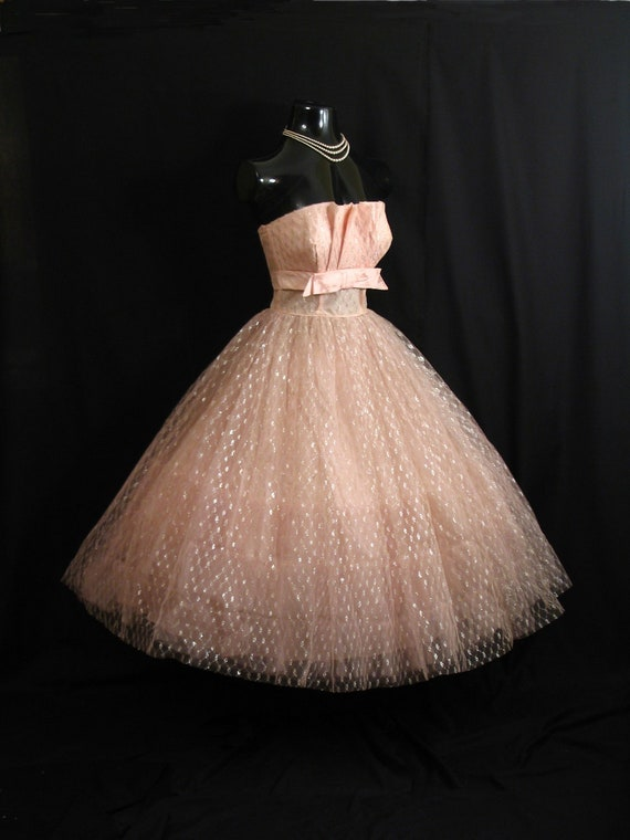 Vintage 1950's 50s STRAPLESS Pink Shelf Bust Taffeta Tulle Metallic Party Prom Wedding Bridal Dress Gown