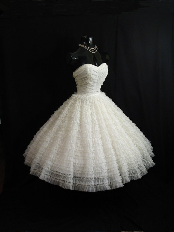 Sale vintage 1950 39 s 50s cupcake strapless white tiered for 1950s style wedding dresses for sale