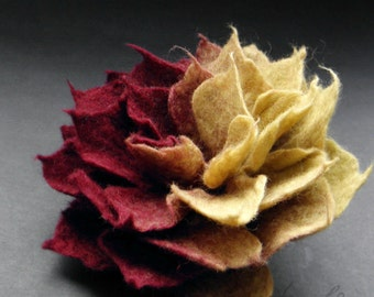 Ombre Felt flower, Burgundy and Olive Green Felt Flower Brooch, Floral jewelry, Romantic felt flower, Handcrafted flower brooch