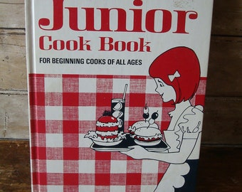 Vintage Better Homes and Garden Junior Cookbook 1972