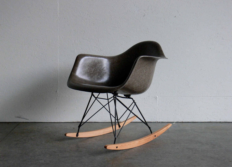 eames for herman miller fiberglass arm chair rocker rar by. Black Bedroom Furniture Sets. Home Design Ideas