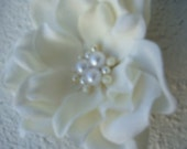 Bridal Hair Flower with PEARLS / bridal ivory flower with pearl centerpiece / flower hair clip