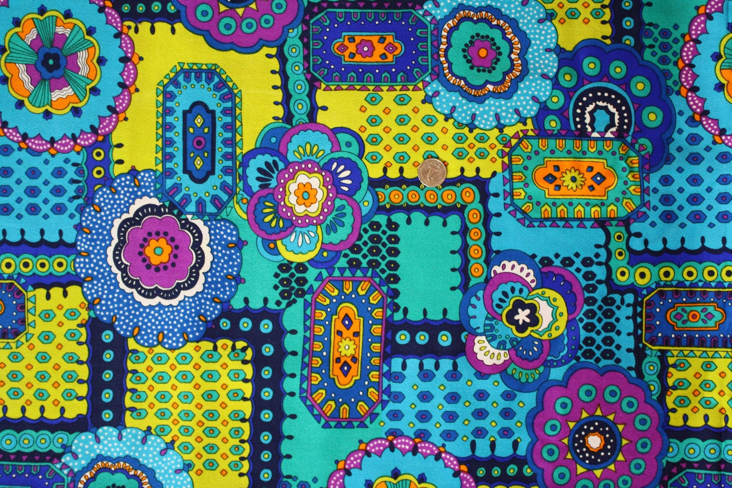 Vintage 1970s Psychedelic Groovy Hippie Fabric Sewing