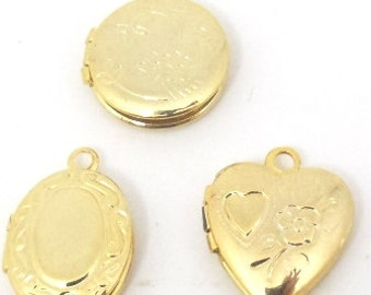 30 pcs. Vintage Lockets  70s Gold Tone Heart round and oval Lockets