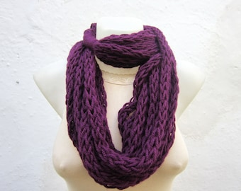 Knitting Scarf, Finger Knitting Scarf, infinity Scarf, Chain Loop Scarf