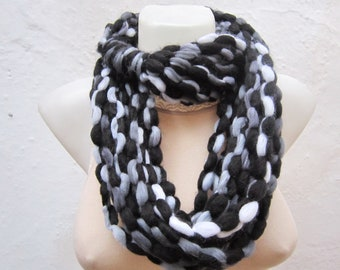 Ombre Scarf, infinity Chunky Scarf, Cowl Scarf, Tube Knit Scarf, Necklace Scarf, Circle