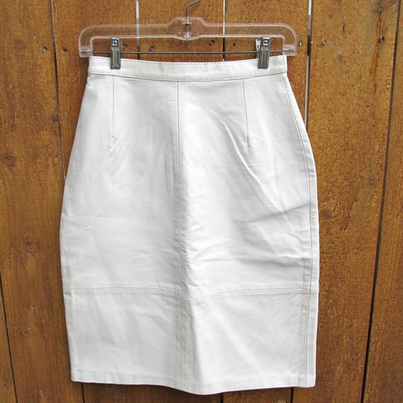 white leather high-waisted pencil skirt - 1980s vintage - small 9 10