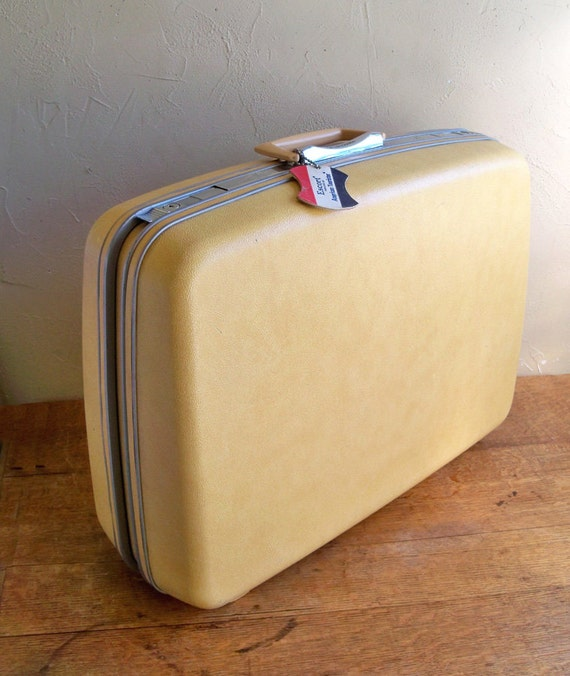 1960s Samsonite Silhouette Silhouette Butterscotch Yellow Suitcase with Polka Dot Interior
