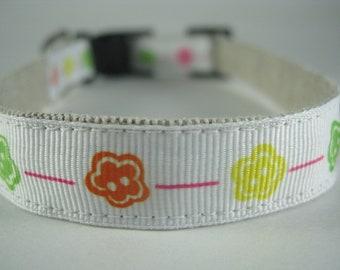 White Flowers hemp dog collar - 3/4in