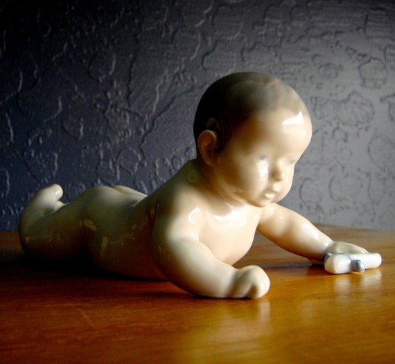 Vintage Royal Copenhagen Naked Baby With Sock 1739 Piano Baby