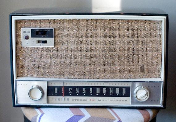 Mid Century Zenith Tube Radio FM Stereo