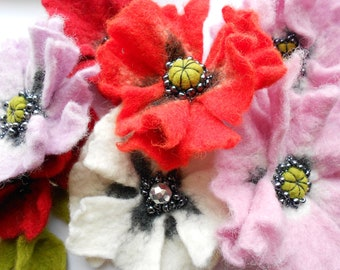 Felt Poppy Tutorial, pdf tutorial, how to make felted wool flower, handmade gift, wet felt,  felted flower pin, pdf, instructions