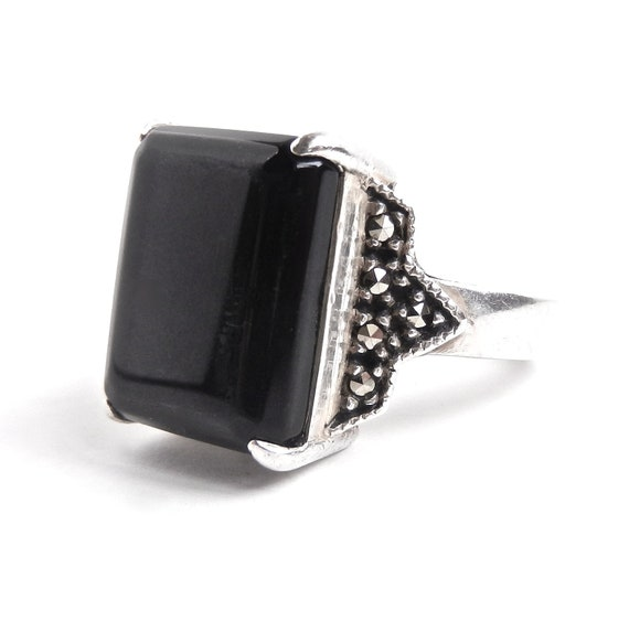 Vintage Sterling Silver Black Stone & Marcasite Ring -  Size 9 1/2 Costume Jewelry / Onyx Black