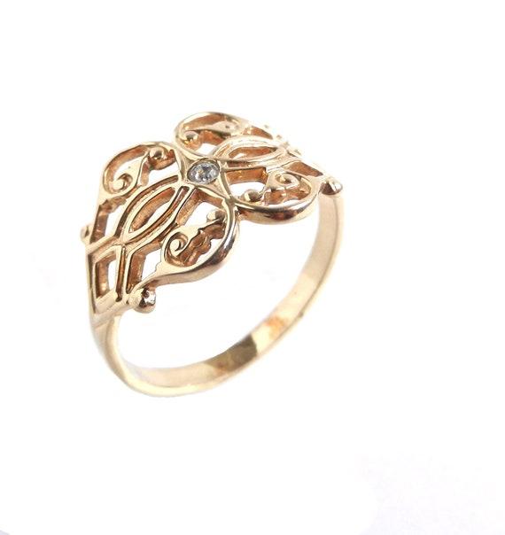 Vintage Filigree Rhinestone Ring -  Gold Tone Size 8.5 Costume Jewelry / Scrolls