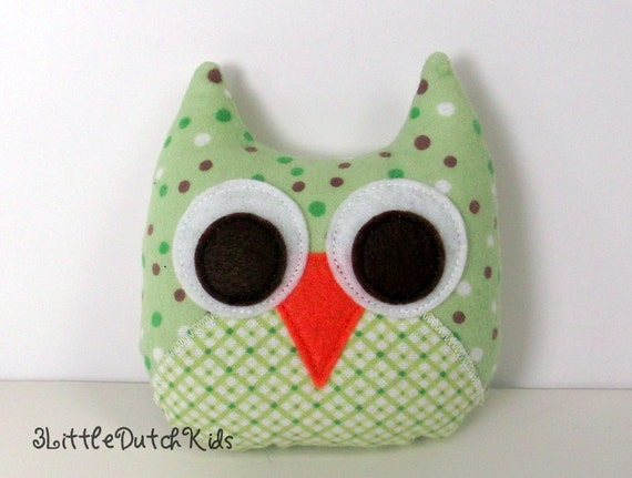 Matthew (Green Plaid and Polka Dots Flannel Owl Pillow) owl party favor