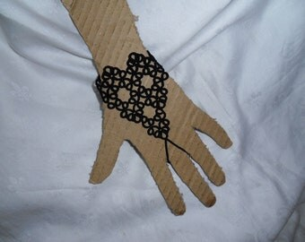 Leather & Lace Quarter-Glove
