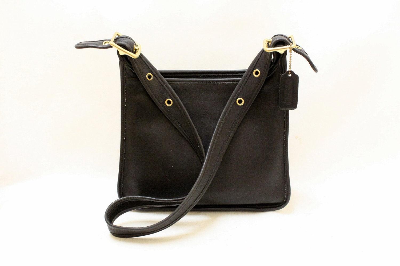 Vintage Coach Black Color Leather Purse // Shoulder Bag //9966