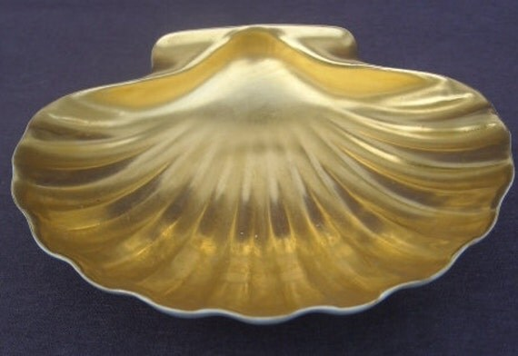 1940s 1950s Old LIMOGES FRANCE 22 Karat Gold Leaf Scallop Shell Dish Mint Condition