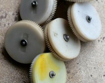 Vintage alarm clock going barrels -- plastic -- set of 6 -- D10