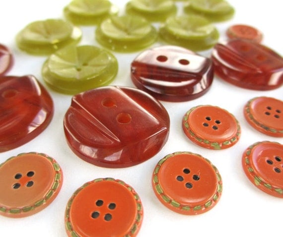 Yellow and Orange vintage buttons - 22
